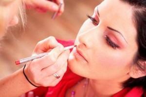 como fazer maquiagem 300x199 Como fazer Maquiagem