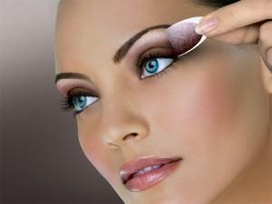maquiagem para os olhos passo a passo 300x225 Maquiagem para os Olhos Passo a Passo