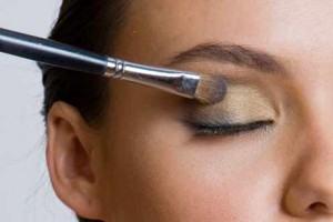 dicas de maquiagem para olhos 300x200 Dicas de Maquiagem para os olhos